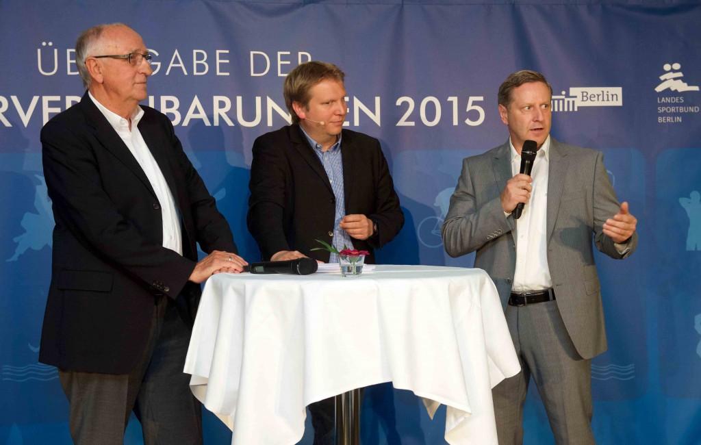 Berlin 24.06.2015 Übergabe der Fördervereinbarungen des Landessportbundes Berlin Klaus Böger (LSB), Karsten Holland (Moderator), Harry Bähr (OSP) /Foto: Camera4