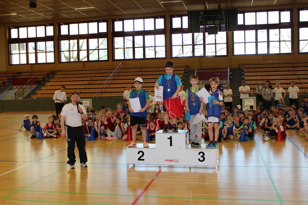 Siegerehrung der besten Kinder ausgewählter Sportarten