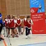 Mädchen sprinten bei der Talentiade