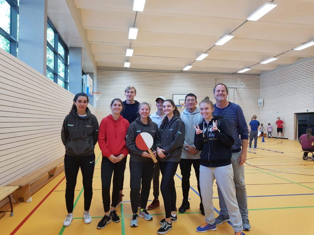 Das Testteam der Sportschule im Olympiapark hospitiert bei einer DMT-Durchführung