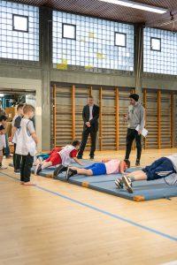 Bezirksstadtrat Tobias Dollase besuchte Till-Eulenspiegel-Grundschule