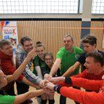 Volleyballjubel mit Tobias Dollase, Friedhard Teuffel, Tillman Wormuth und Thomas Härtel (v.l.) Foto: Engler