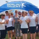 Britta Steffen am Stand von BERLIN HAT TALENT - 13. degewo-Schülertriathlon