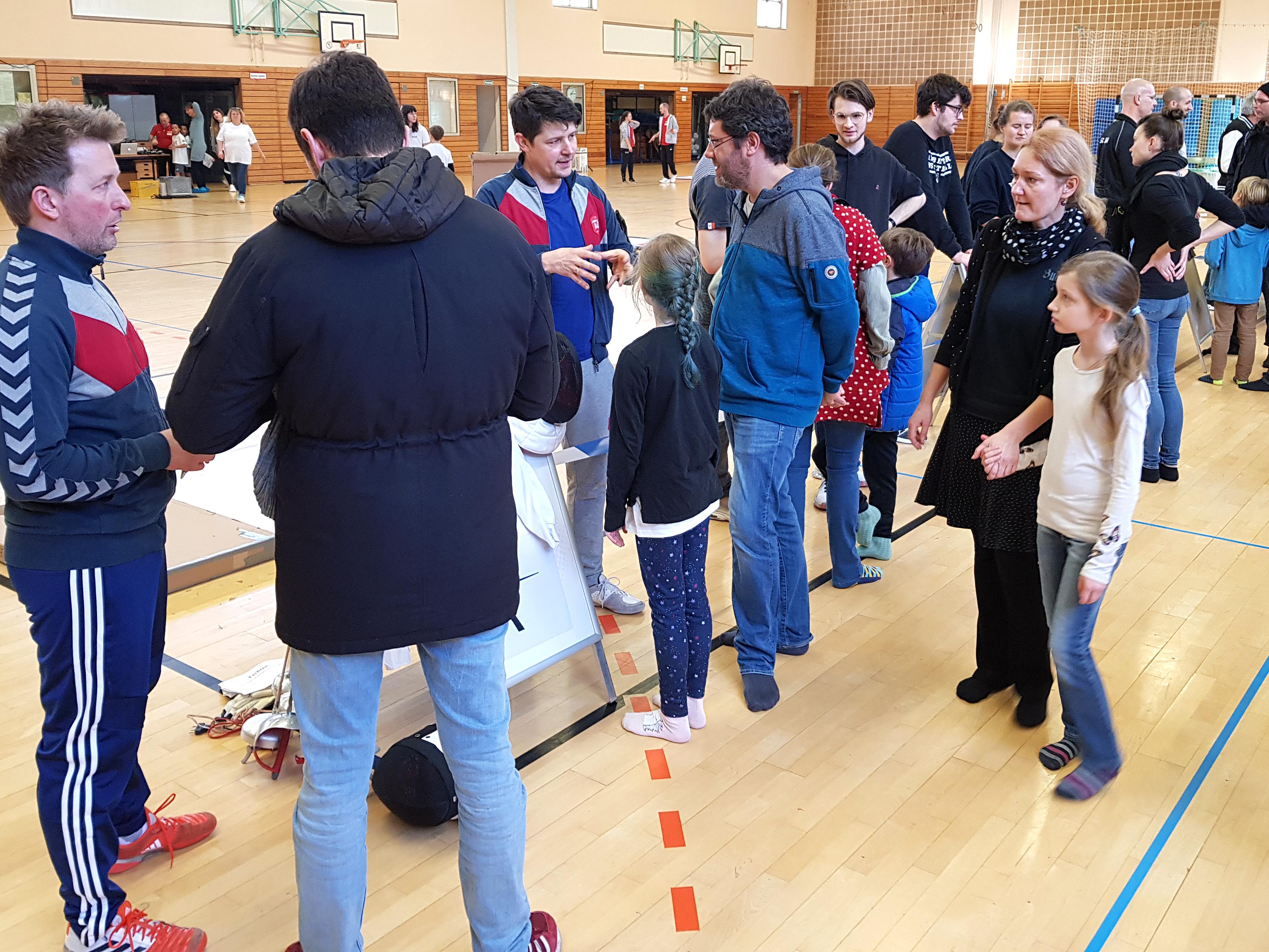 Vereine im Gespräch mit den Eltern und Kindern