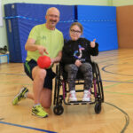 Sportlehrer Lutz Müller schätzt sehr, dass alle Kinder mitmachen können